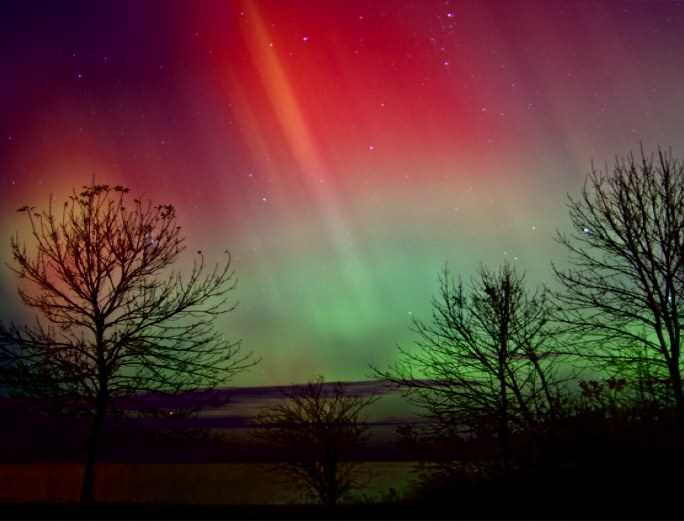 Incoming particles from the sun made visible in the aurora borealis